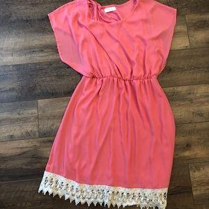 Dresses & Skirts - Coral Boutique Knee Length Dress